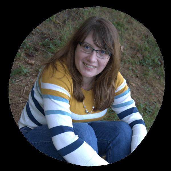 Meet The Geeky Shopaholic - Paula Hcikey